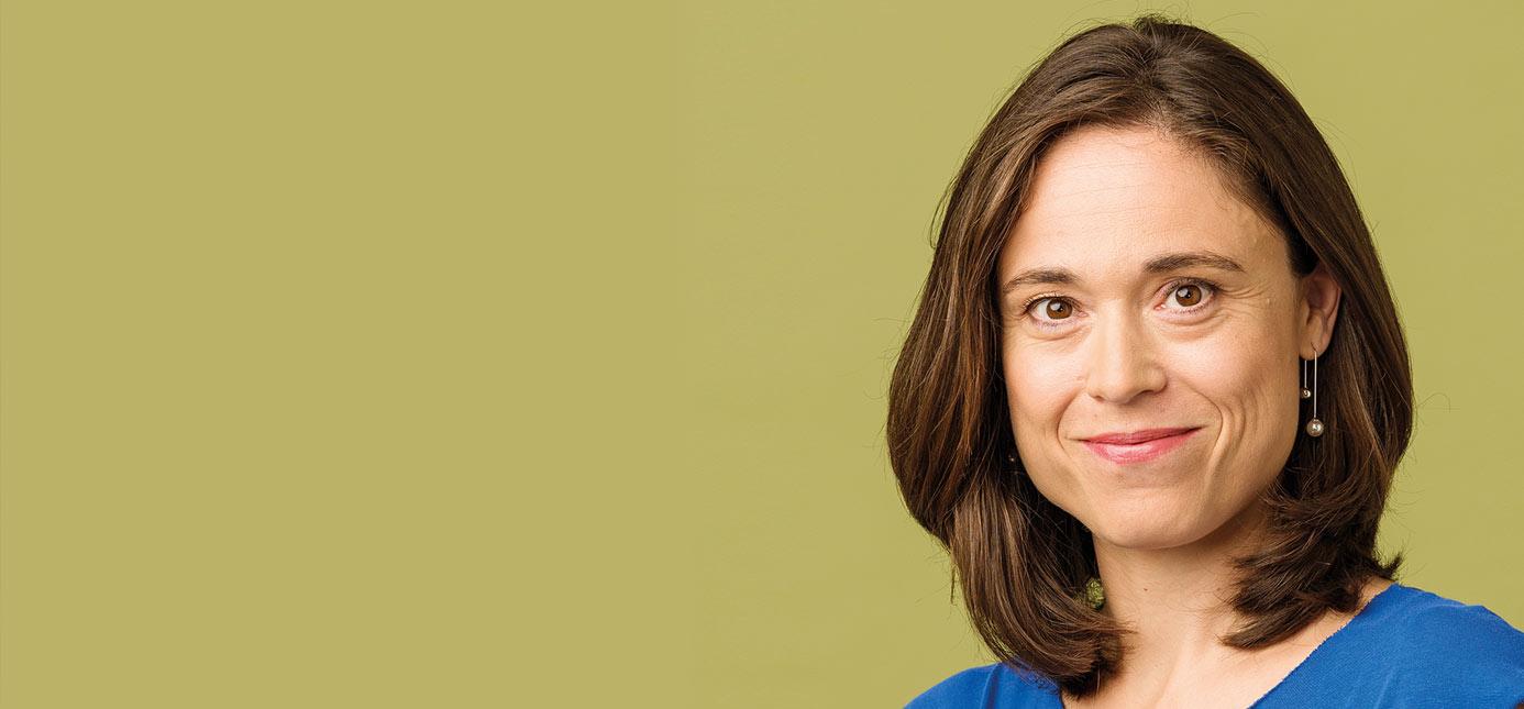 Portrait of Professor Elke Schüßler
