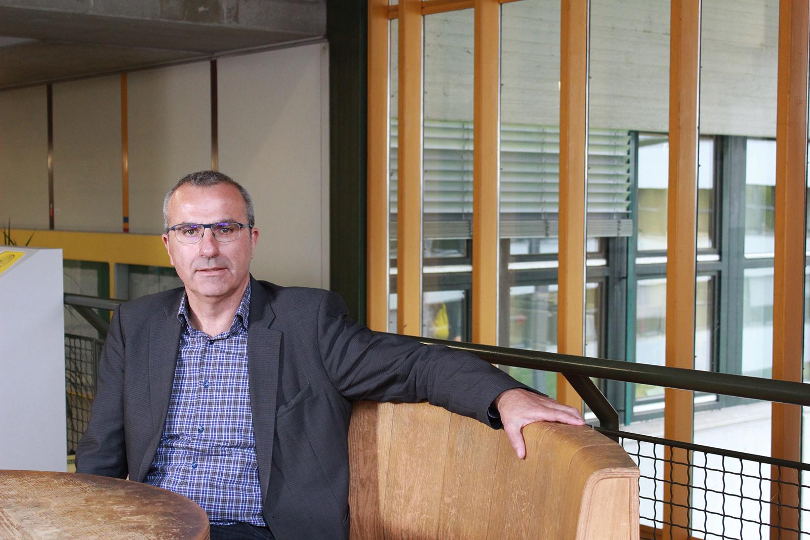 Porträt von Professor Dr. Gerald Schneider