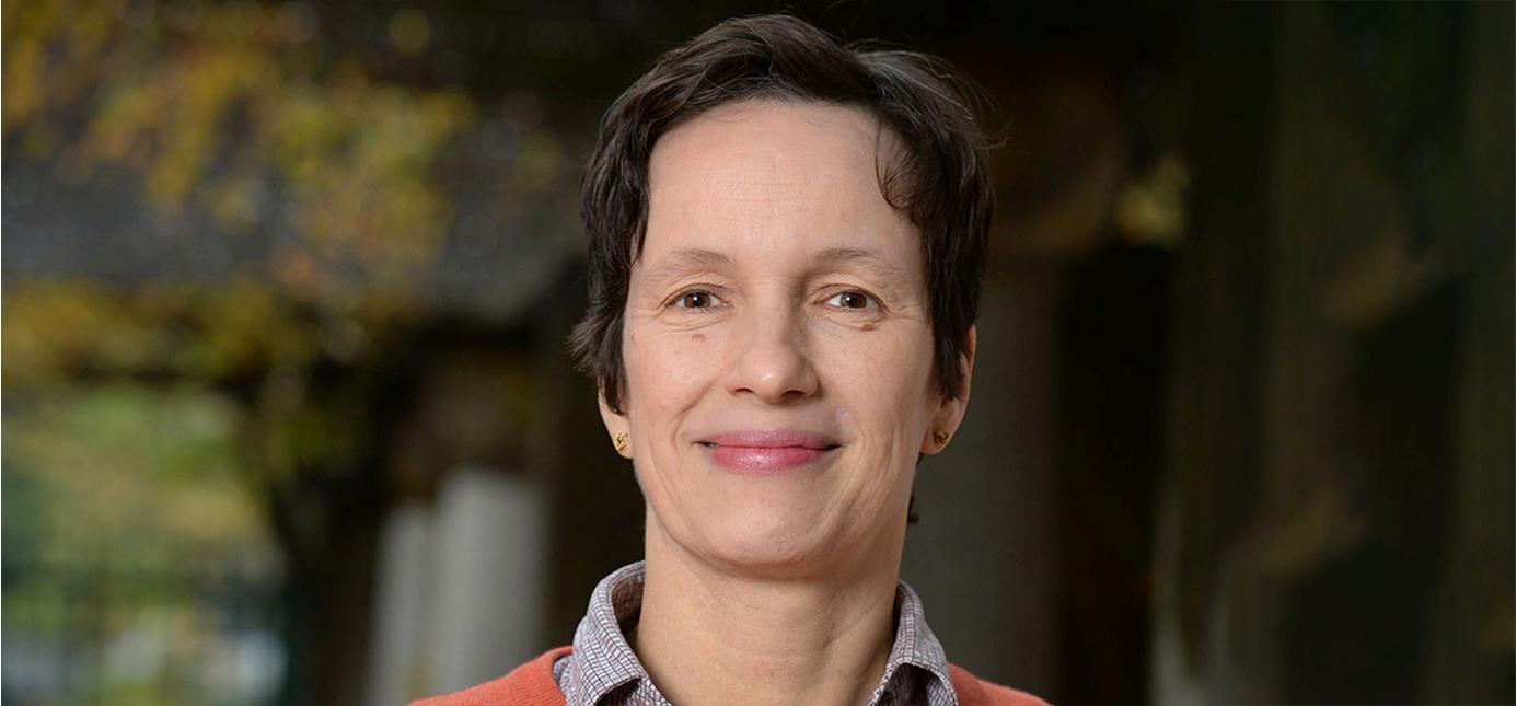 Porträt von Professorin Dorothea Kübler
